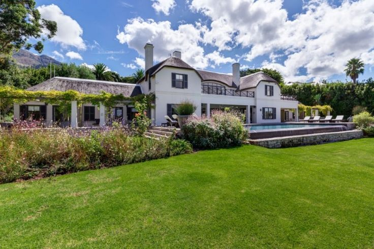 7 Bedroom House for Sale in Constantia Upper - A Stately master piece situated in the prestigious ambassadorial belt