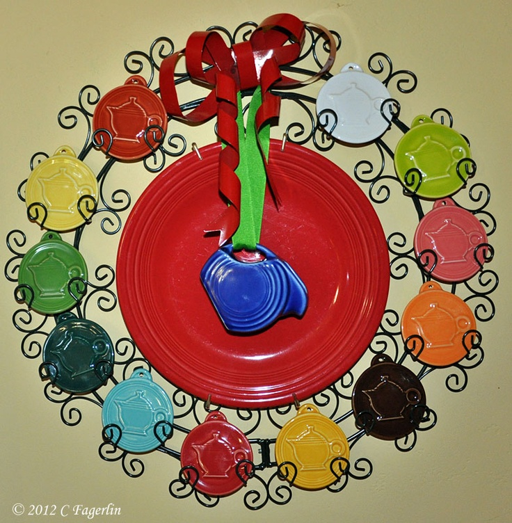 The Little Round Table: Fiesta Ornament Wreath!
