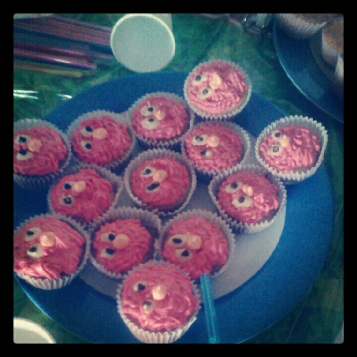 Elmo cupcakes for my daughter bday