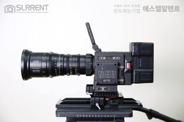 """✔ ARRI ALURA ZOOM 15.5-45MM T2.8   ARRI ALURA ZOOM 15.5-45MM T2.8  24 Hours 300,000원 / Halfday 200,000원 ▶ https://goo.gl/BSltyc  - Focal Length : 15.5-45mm - Max Aperture : T2.8 - Coverage : Super 35, APS-C - Lens Mount : PL - Min. Focus : 2' - Front Dia. : 114mm - Length : 9"""" - Weight : 2.2 kg  지금 바로 대여 가능!!!  ✔ 하이엔드 씨네장비 렌탈도 역시 에스엘알렌트!!!"""