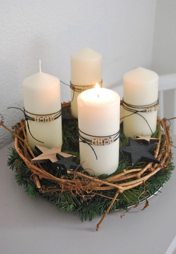 Auch dieses Jahr habe ich wieder einen traditionellen Adventskranz gebunden. Diesmal wurden die Kerzen mit den Buchstabenperlen besch...