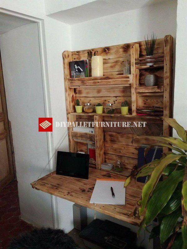 Morgan ha avuto la grande idea di costruire questa piccola scrivania che difficilmente occupa lo spazio, perfetto per le piccole case è un tavolo pieghevole con mensola completamente realizzata con…