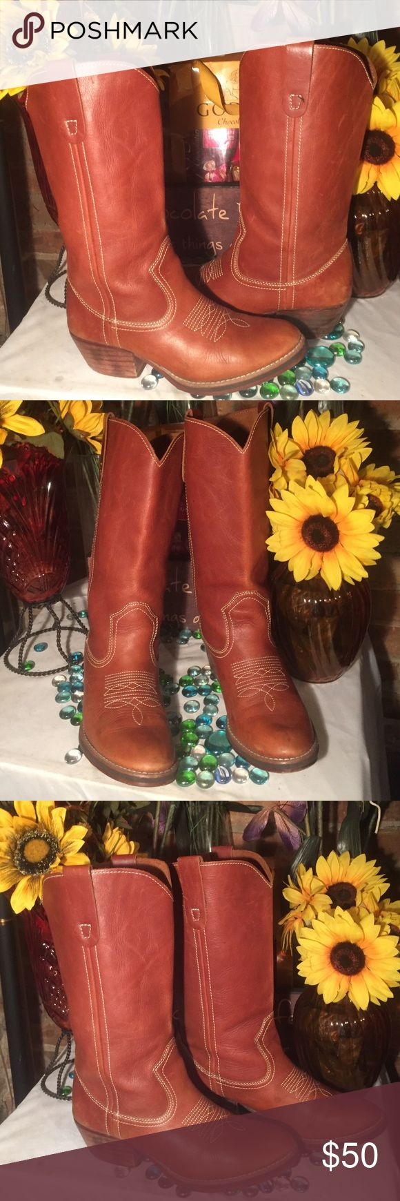 🎈🎉2 Hour SALE🎈🎉Steve Madden Boots Madden Boots- Sz 8- Good condition- Minor wear on heels- Genuine tan leather- 1.5' heel- 15' circumference- Very nice boots! 👠Sale Price FIRM!👠 Steve Madden Shoes Combat & Moto Boots