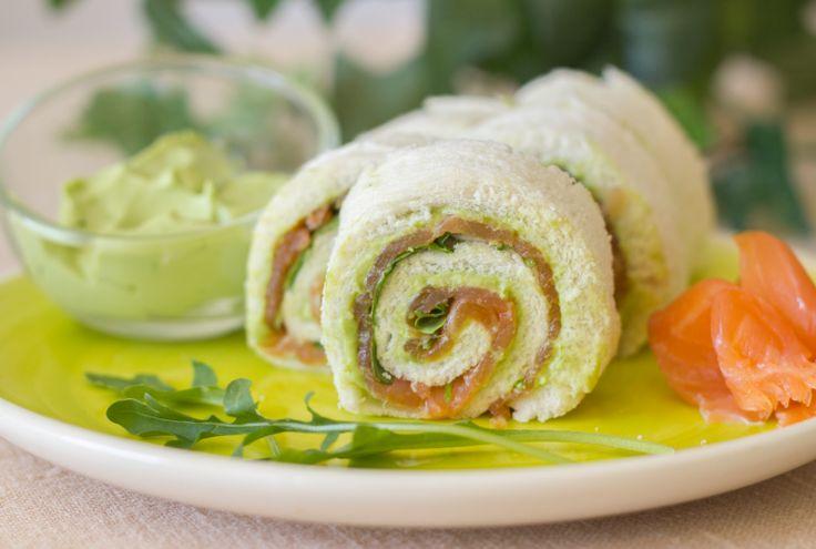 Rollo #Salmón y #Aguacate #avocado #receta #pan #entranye