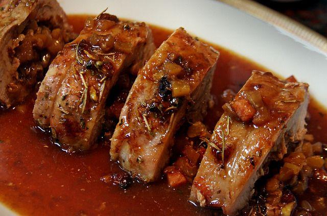 El carré de cerdo es un corte de carne que se encuentra pegado al costillar del animal y que puede consumirse con hueso o, como e...