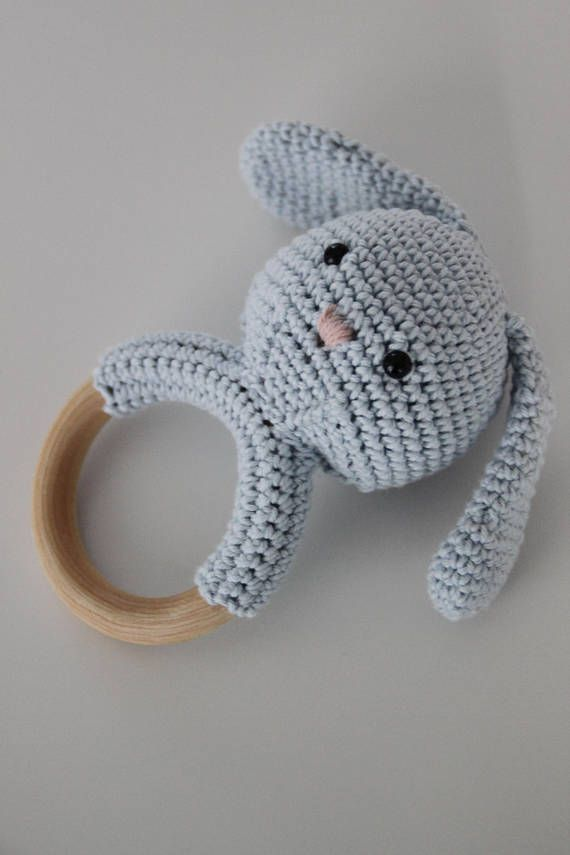 Missy is a handmade, cotton amigurumi teething ring and rattle. The ring is in 100 % wood and has a diameter of 7 cm. The rattle makes a subtle sound to get your babys attention.