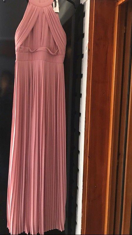0089ac2dbed Magnifique robe Asos catégorie mariage Coloris rose vieilli Longue plissée  avec fente au genou Neuve avec étiquette Ac...
