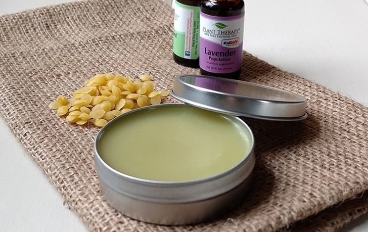 HOMEMADE SORE MUSCLE PAIN RELIEF RUB--When sore, painful muscles strike, reach for this easy homemade sore muscle rub with powerful pain relieving essential oils.