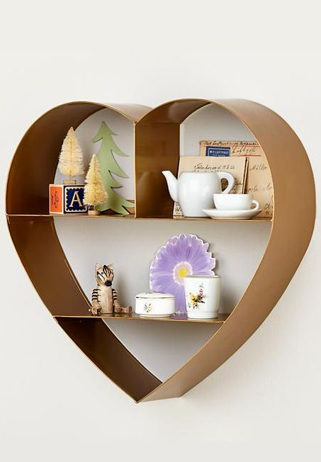 Heart shelf // perfect for #Valentines and beyond