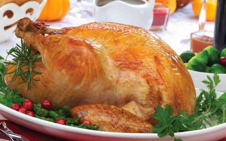 Hidangan ayam kalkun adalah simbol dari peringatan thanksgiving, jadi jarang sekali keluarga yang tidak menyajikan makanan ini di meja makan  Pada dasarnya ayam kalkun juga menyehatkan karena diperkaya dengan protein dan vitamin B6. Tetapi, tidak semua bagian dari ayam kalkun menyehatkan.   Agar saat mengonsumsi Kalkun tetap sehat, Fresh People dapat menghindari bagian kulitnya dan menghindari daging berwarna gelap karena banyak mengandung lemak dan kolesterol #ThanksGivingTips