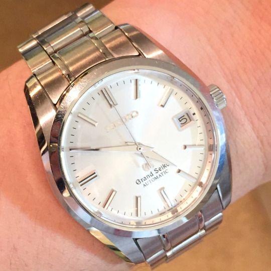 ★GS様/グランドセイコー - メカニカル SBGR001 ☆結納のお返しでもらった時計です。仕事でも使い易く、信頼性のあるGSを選びました。以前はカジュアルなスポーツウォッチしか使った事がなかったので、これを着けた時に、今まで以上の仕事に対するやる気と責任を感じました!  〝人生の節目に腕時計を〟