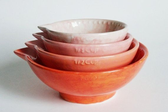 Measuring cups, ombre style!: Kitchen Gifts, Ceramic Measuring Cups, Gifts She Ll, Measure Cups, Ombre Nesting, Kitchen Things, Kitchen Stuff