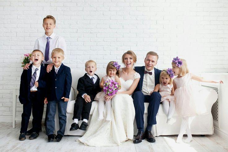 Отец шестерых детей женился и взял под опеку сына и дочь (фото)