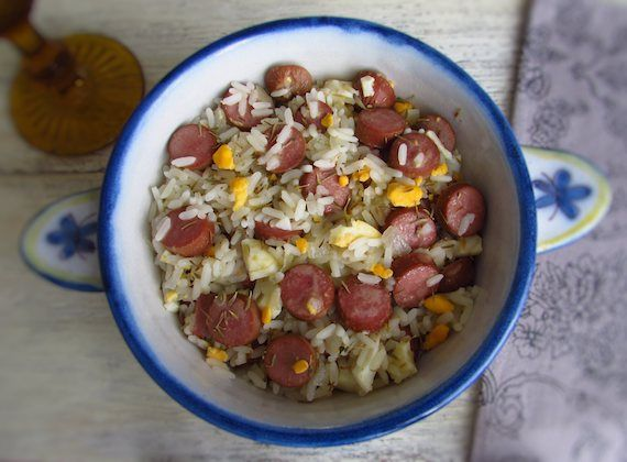 Rice with sausages | Food From Portugal. Prepare this simple and quick recipe of rice with sausages! It's the perfect recipe when you have very little time or do not know what to do!