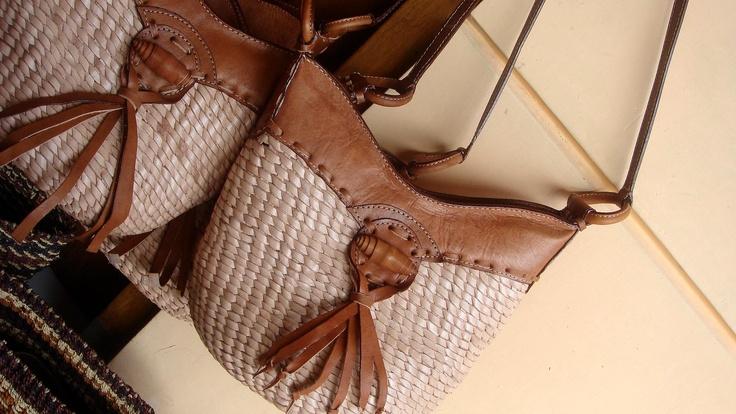 de_atmo@yahoo.com Natural Mix Leather Bag
