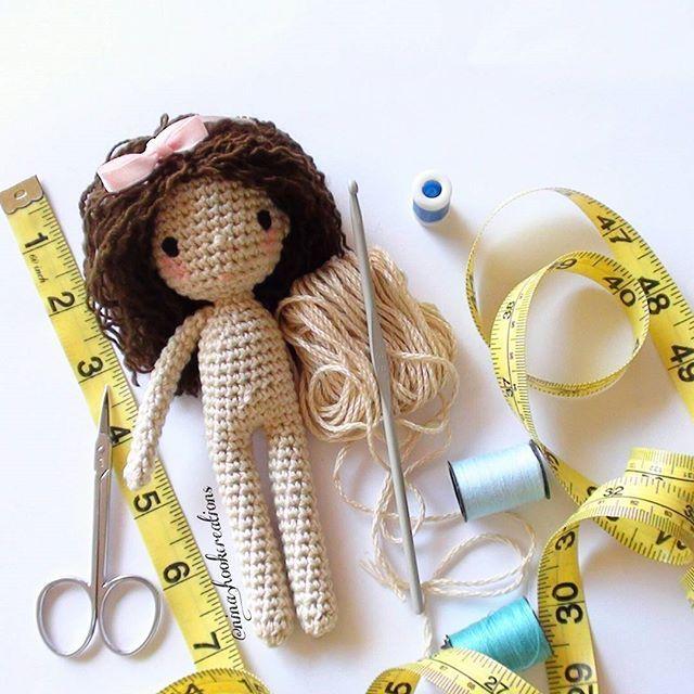 A tiny girl in progress. ..Have a great Saturday! !!#crochet #crochetdoll #crochetart #crochetaddict #crochetlove #amigurumi #amigurumidoll #isabellekessedjian #mycrochetdoll #ganchillo #cute #dollstagram #handmade #dolls#tiny