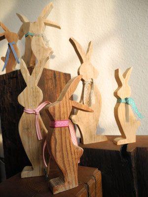 Altholzdesign Seoane Schweiz .  Wohnaccessoires aus Altholz und Treibholz. Palettenmöbel hergestellt in der Schweiz/ Liestal. Tisch aus Paletten, Adventskranz,Garderobe, Schlüsselbrett,Wildbienenhotel, Osterdekoration aus Altholz und Palettenmöbel kaufen