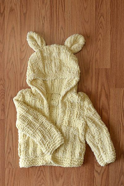 Free Universal Yarn Pattern : Little Cub Hoodie
