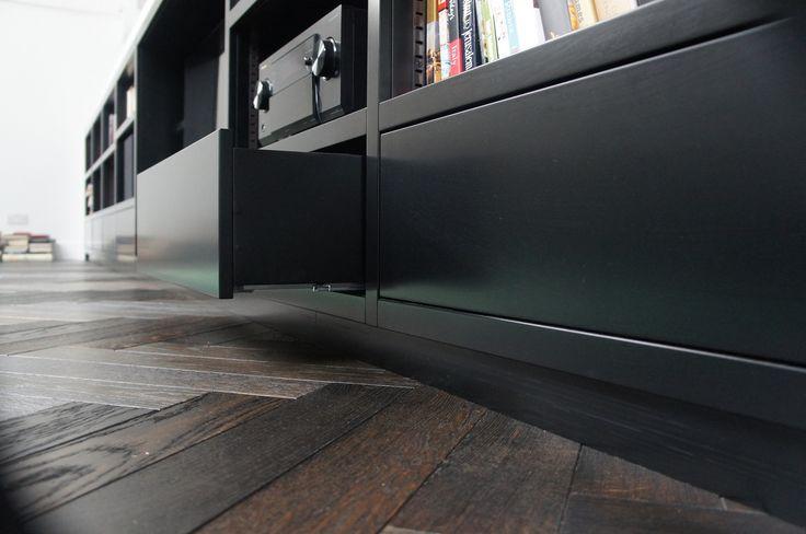 Sisteme de glisare pentru sertare din lemn  http://www.accesoria.ro/accesorii-mobila/4-sertare-mobilier-bucatarie