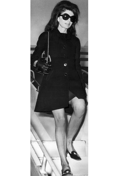 Jacqueline Kennedy Onassis  The former First Lady always carried the perfect ladylike bag & sunglasses