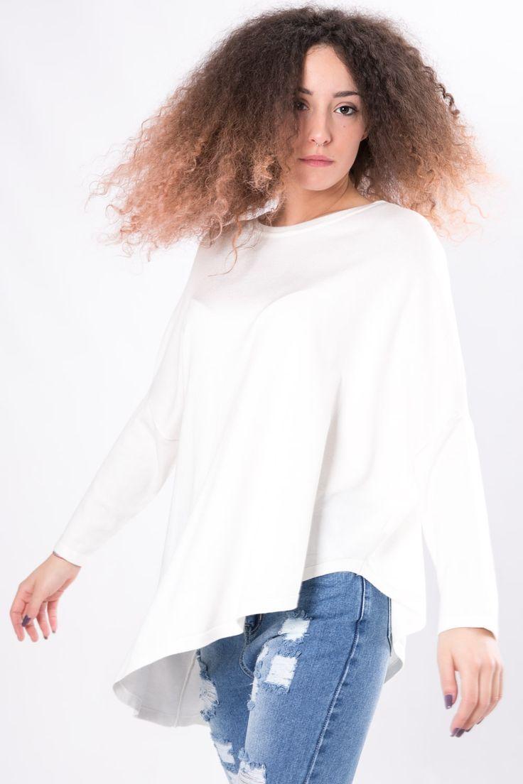 MAGLIA ASIMMETRICA  Maglia in tessuto misto lavorazione a maglia liscia. Manica scivolata a ¾ e scollo rotondo. Un capo di maglieria bascic, adatto ad un look quotidiano. Un design assimetrico, facilmente abbinabile ad un pantalone o jeans aderente.  #dani #basic #maglia #bianco