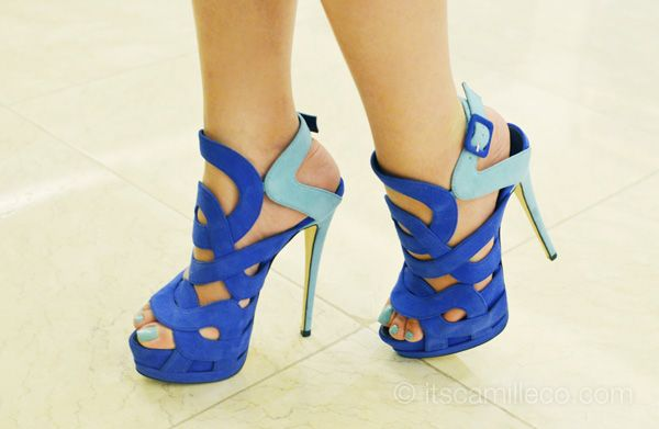 : Colors Combos, Giuseppe Zanotti, Bridesmaid Shoes, Blue Shoes, Colors Blue, Fashion Photography, Christian Louboutin, Blue Heels, Blue Su Shoes