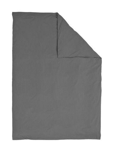 Pehmeässä pussilakanassa on luonnonläheinen sävy. Pussilakanan reunassa on kirjainbrodeeraus ja napitus. Lakana tulee kätevässä kangaspussissa. <br/><br/> Mat...