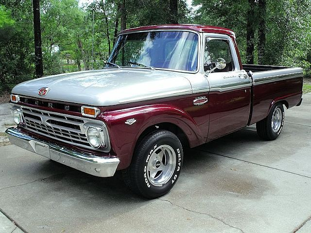 1966 #ford #f100. Love the paint on this one. (classic paint scheme with custom colors)