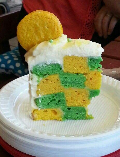 Checker board cake green and gold