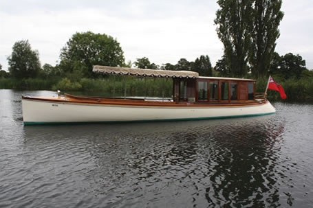 Peter Freebody & Co, builders and restorers of traditional wooden boats, specialists in Riva, slipper launches, skiffs, punts and all manner of classic wooden boats made and restored by Peter Freebody & Co of Hurley, Berkshire, EnglandBrokerage