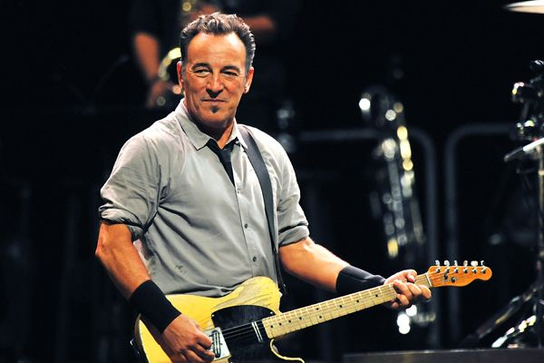 Bruce Springsteen in Leeds, England  Bruce Springsteen, Roger Waters Set for 'Stand Up for Heroes' Benefit Jerry Seinfeld, Jon Stewart will also perform at November 6th event   Read more: http://www.rollingstone.com/music/news/bruce-springsteen-roger-waters-set-for-stand-up-for-heroes-benefit-20130909#ixzz2fd5AFEYq  Follow us: @Rolling Stone on Twitter | RollingStone on Facebook