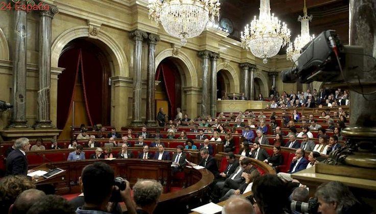 Relación de ceses acordados por el Gobierno y de organismos que elimina en Cataluña