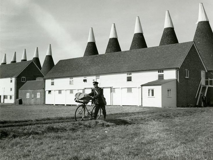 Postman delivering at Oast Houses, Kent, 1930s.