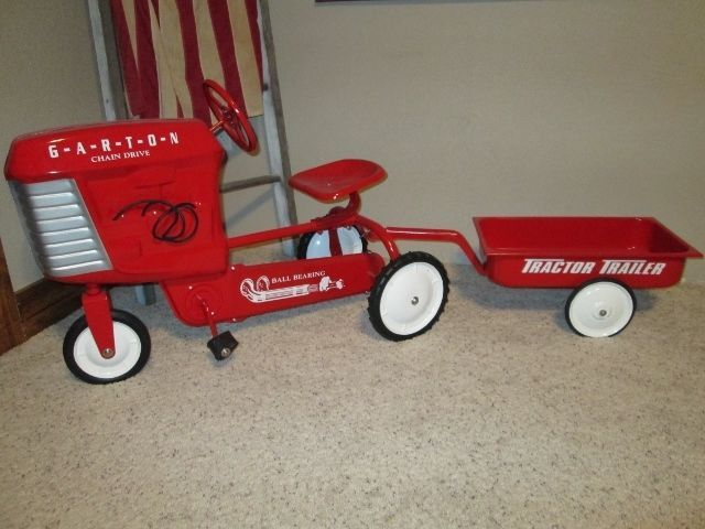 antique garton pedal tractor with wagon vintage farm toys pinterest antiques and tractors. Black Bedroom Furniture Sets. Home Design Ideas