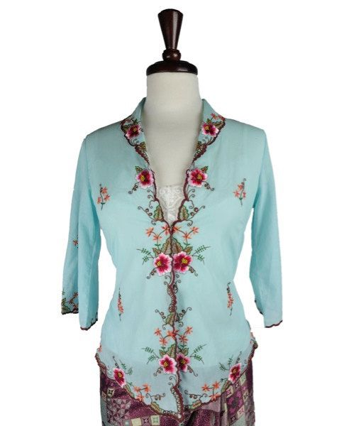 Hannah Traditional Blue Batik Kebaya Blouse by HeritsyShop on Etsy, $89.90
