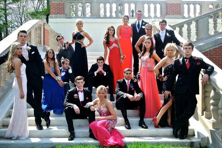 Group prom picture idea