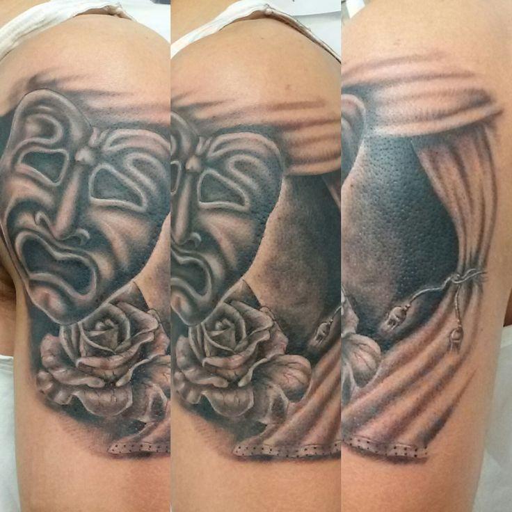 www.valestattoo.com #valestattoo #tattoo #tatuaggio #maschera #rosa #sipario #blackandgrey #blackandgreytattoo #pantheraink #pantherablackink #pantherainktattoo #tattooart #tattooartist #tattooartistitaly #tattoomadeinitaly #photooftheday #bestoftheday