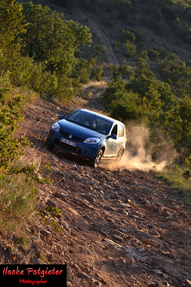 And thats how a Renault Sandero does a 4x4 track :D