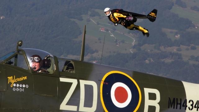 Breitling Jetman partage les cieux avec le mythique avion britannique : Le Spitfire
