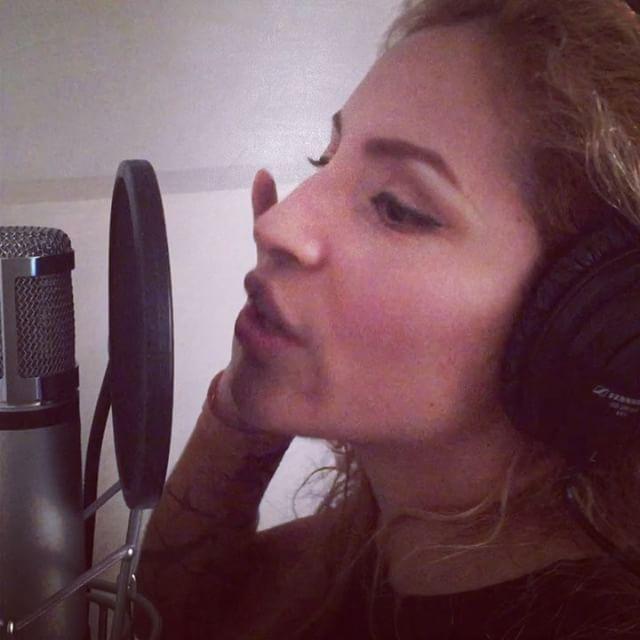 "Recording my song ""Insane Asylum"" translated to Spanish �� Grabando mi cancion ""Manicomnio"" originalmente escrita en Ingles�� @pledgemusic  Preorder my set of 2 debut album here www.pledgemusic.com/Sereza  #pledge #campaign #crowdfunding #music #recording #vocals #spanish #español #singing #independent #artist #fun #love #happy #life #thankful #girl #smile #passion #curls #ponytail #videos #studio #picoftheday #instalove #instagood #instagrammers #istadaily #facebook…"