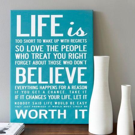 Life is... Inspirerande och motiverande ord pa stor poster - i massor av farger.