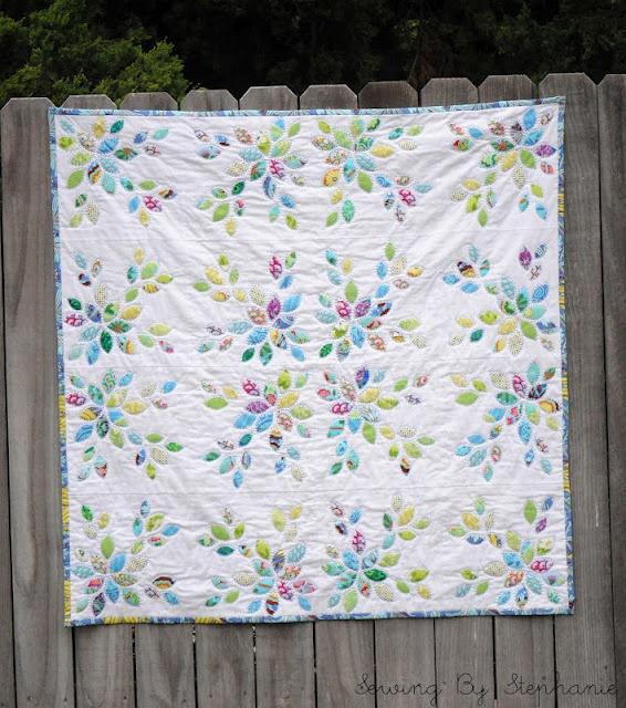 Sewing By Stephanie: Little Leaves Quilt sew cute!!: Leaves Quilts, Sewing, Quilts Inspiration, Applique Quilts, Stephanie, Hands Quilts, Leaves Appliques, Quilts Finish