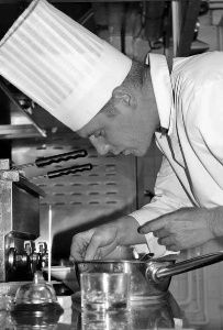 http://www.lhotellerie-restauration.fr/journal/restauration/2014-07/Mathieu-Hericotte-est-le-nouveau-chef-du-Mas-de-Chastelas.htm?fd=mathieu and hericotte  Mathieu Hericotte, nouveau chef du @MasdeChastelas https://www.facebook.com/pages/Mas-de-Chastelas-Saint-Tropez-France/158152087584085
