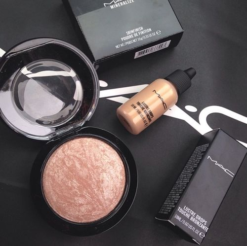 blvckcrystal://: Mac Makeup, Beautiful Tips Hair, Beautiful Makeup Products, Makeup Beautiful, Beautiful Queen, Faces Powder, Beautiful Essential, Mac Cosmetics, Beautiful Products