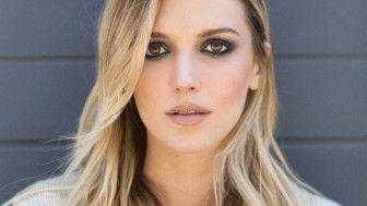 Makyaj Renk Teorisi: Uyumlu Göz Farı Kombinasyonları