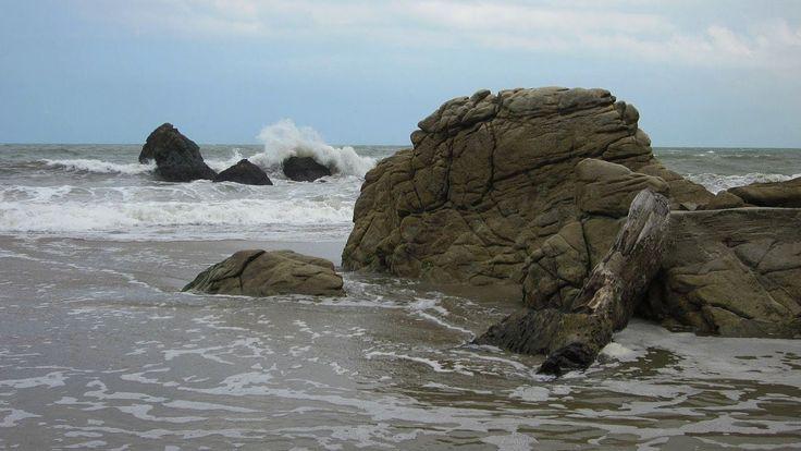 VIDEO | Los Angeles Beach | Caribbean Coast, Colombia | #travel #Colombia | Gallery @ https://www.flickr.com/photos/haluzman/albums/72157635921747396