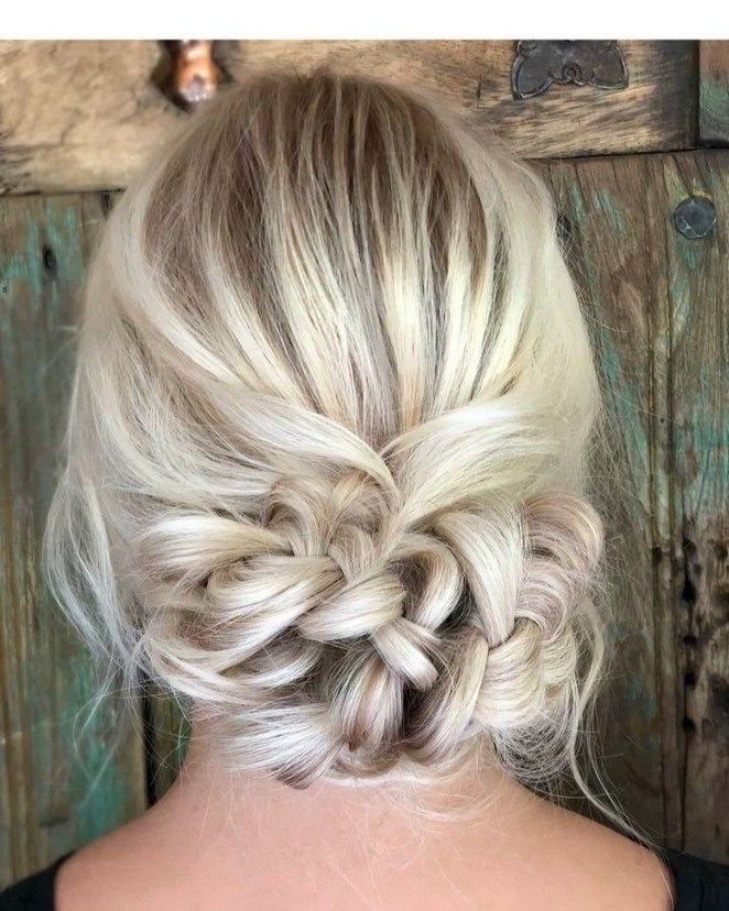 40+ Five-Minute Gorgeous and Easy Hairstyles #hairstyleforwoman #womanhairstyle #hairstyleideas » Out-of-darkness.com