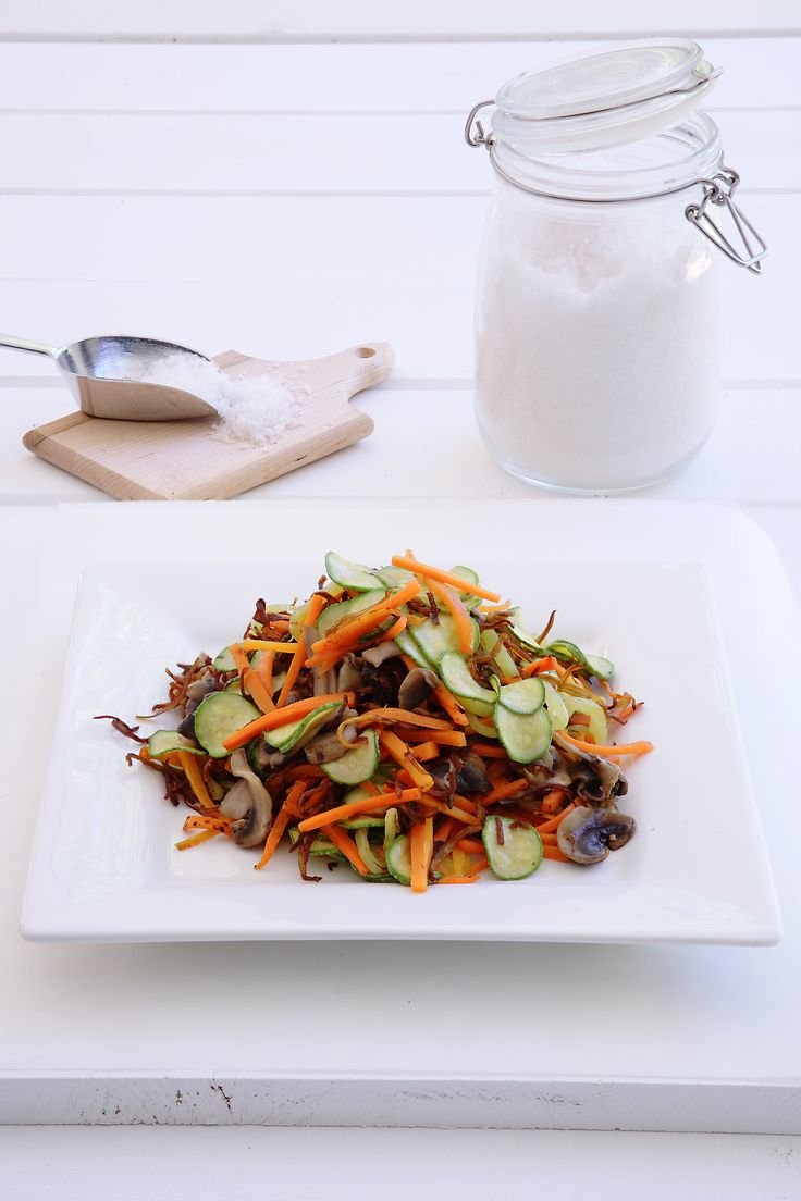 Stir Fry Salad with Balsamic vinegar http://www.instyle.gr/recipe/stir-fry-salata-balsamiko/