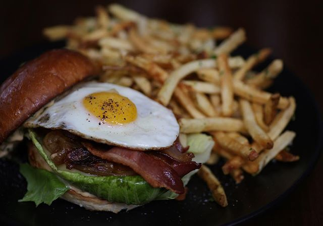 Celebrate National Burger Day with The Whisknladle Burger! Crispy Bacon, Homemade Remoulade and a Farm Fresh Egg. Doest get any better than that! . . . Photo By: @gildaadlerphotography  #nationalburgerday #brunch #dinner #longweekend #weekend #memorialday #sunday #burger #weekendvibes #bestbrunch #sandiegofoodie #sandiegobrunch #dinelocal #lajolla #foodie #comfortfood #youstayhungrysandiego #specialtyproduce #lajollalocals #sandiegoconnection #sdlocals - posted by whisknladle…