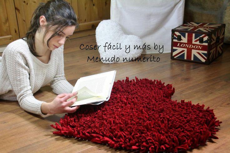 Cómo hacer una alfombra de trapillo en forma de corazón https://www.youtube.com/watch?v=jv0yMAm-ULI